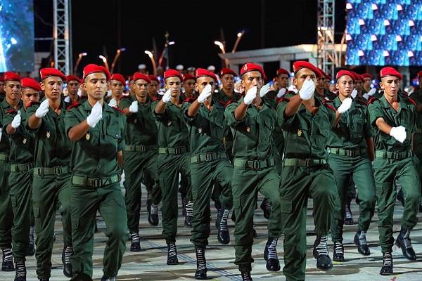 le projet de loi relatif au service militaire fait son